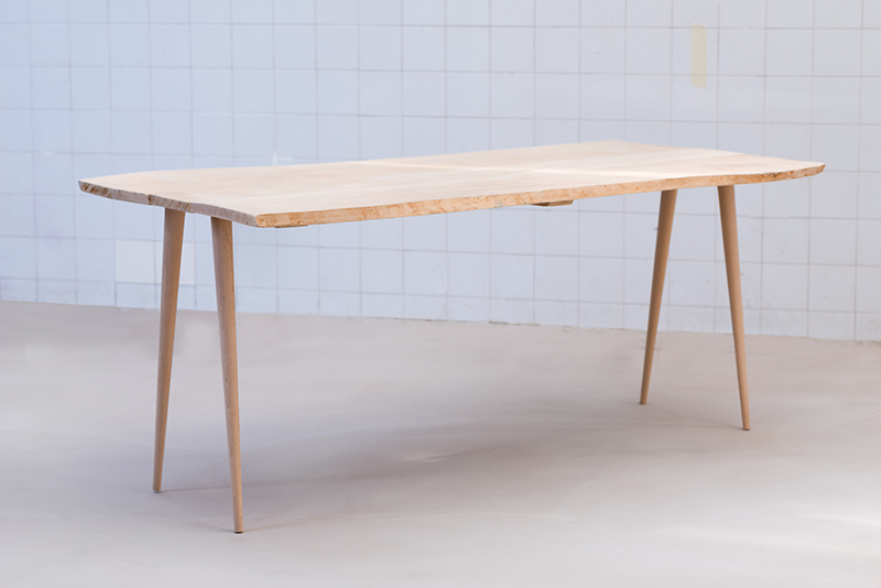 Table basse bois brut scandinave for Table basse design nordique