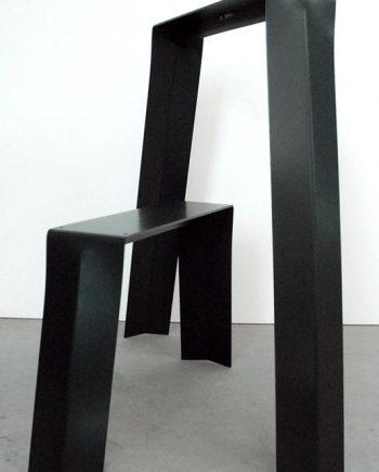 Pied de table en forme de tréteau en metal noir